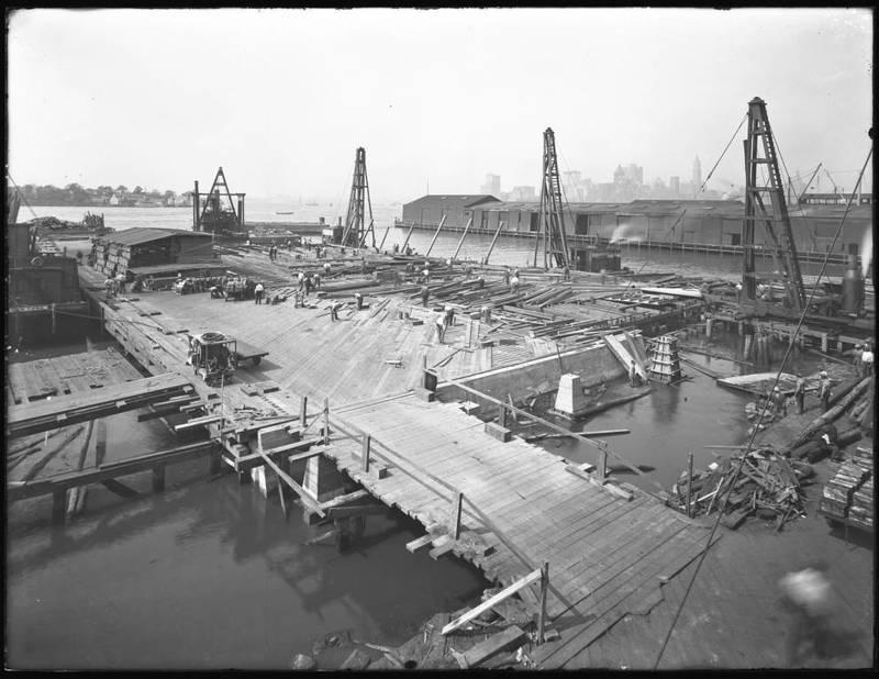 <em>Pier 30 at the foot of Irving Street</em>, Brooklyn, September 10, 1918.&nbsp;